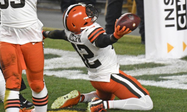NFL Playoffs Divisional Round Opening Lines & Analysis