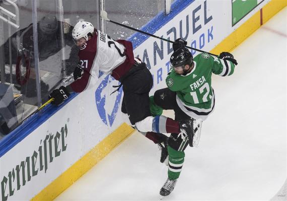 Avalanche-Stars-Hockey-3_50