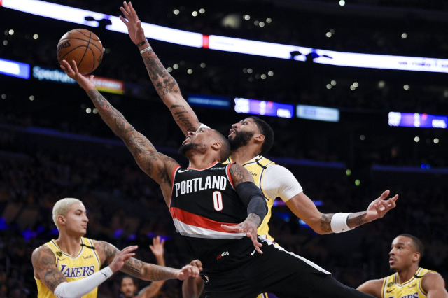 Lakers_vs_Trail_Blazers_Playoffs_50
