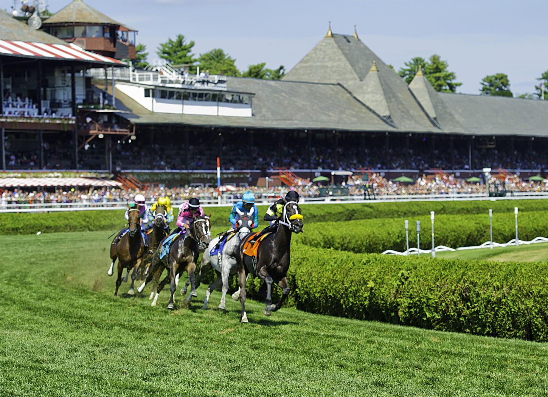 Saratoga_clubhouse_turn_turf_racing_2014-e1533973335914_50