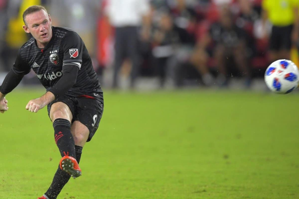 rooney-dcunited_50
