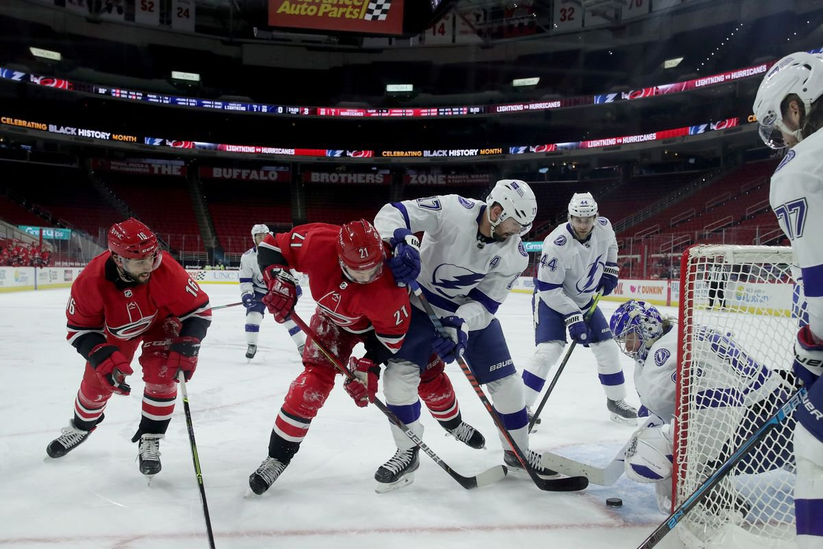 NHL Preview and Best Bets (February 22): Lightning Look to Strike Back