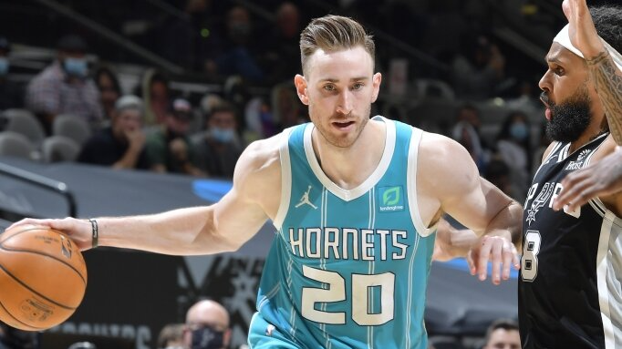 Hayward, Hornets a Rare Road Favorite Over Revitalized Rockets