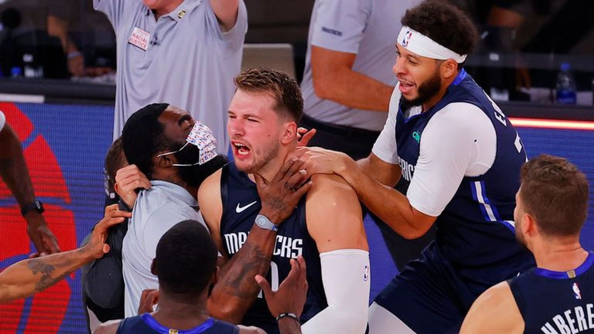 Struggling Clippers Shoot to Stop 4-7 SU Slide Against Motivated Mavs