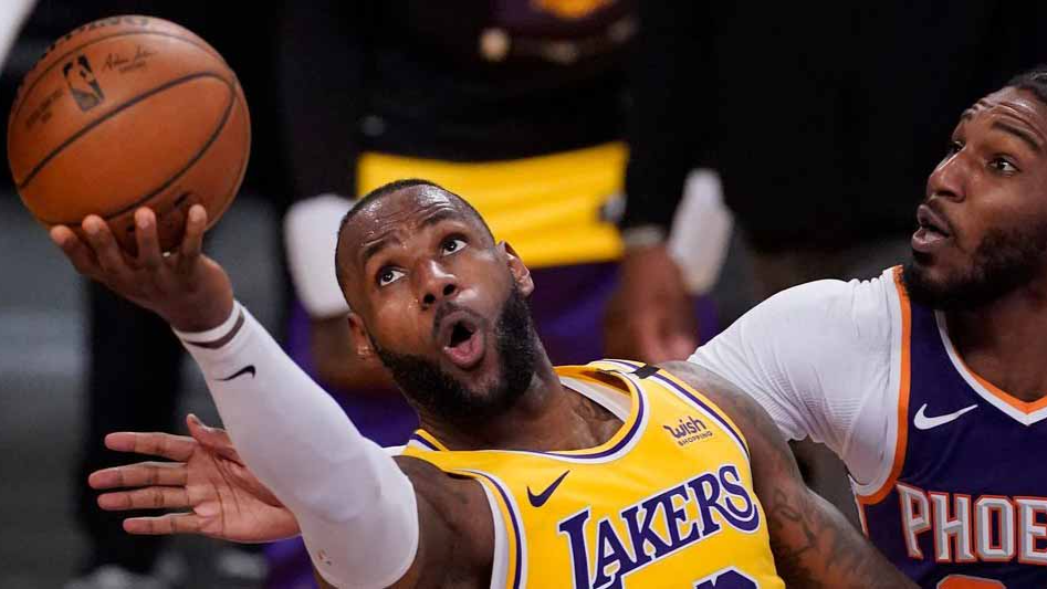 Suns vs Lakers Game 5 Preview: With AD Unavailable, Will Playoff LeBron Need to Surface to Save the Lakers in Phoenix?