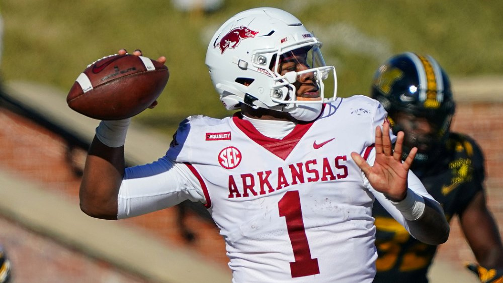 Texas A&M Aggies vs. Arkansas Razorbacks Betting Preview: Will Texas A&M's CFP Hopes Be Crushed By Ambitious Arkansas?