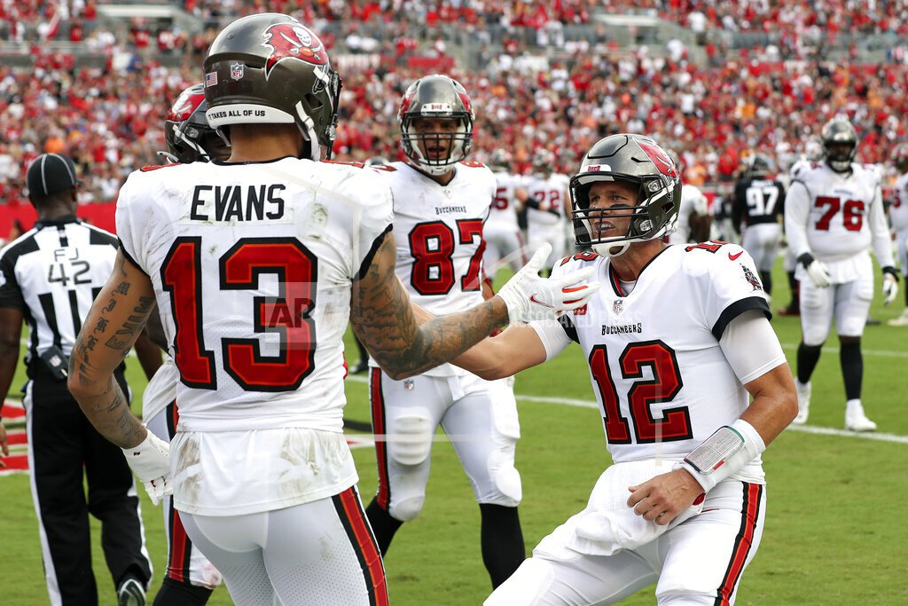 Tampa Bay Buccaneers vs Philadelphia Eagles Betting Preview: Points Should Be Plentiful Tonight in Philly As Eagles Host Bucs